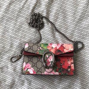 Gucci super mini Dionysus Bloom bag.
